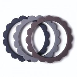 Mushie - 3 gryzaki silikonowe bransoletki FLOWER Dove Gray/Steel/Stone