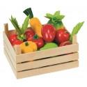 Drewniane owoce i warzywa w skrzynce