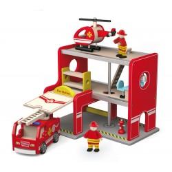 Drewniana remiza strażacka z akcesoriami